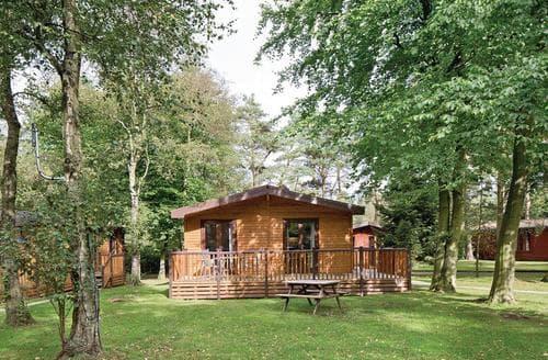 Last Minute Cottages - Tasteful Matlock Lodge S107390
