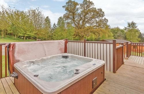 Last Minute Cottages - Beautiful Ashbourne Lodge S107456