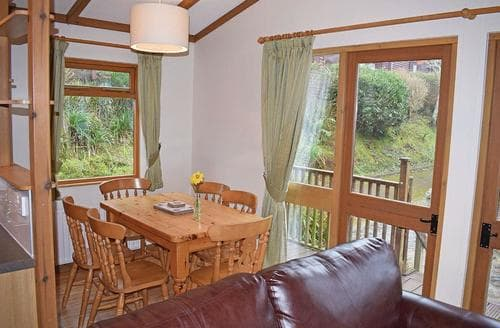 Last Minute Cottages - Luxury Charmouth Lodge S107458