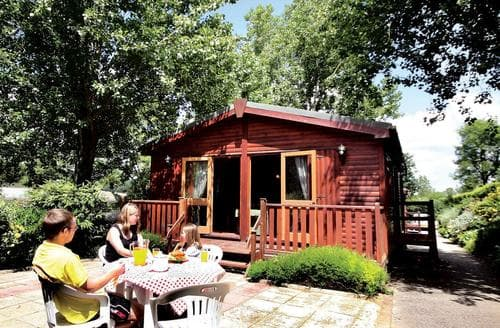 Last Minute Cottages - Stunning Charmouth Lodge S107468