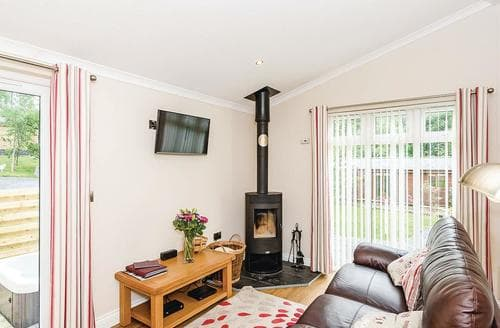 Last Minute Cottages - Adorable Cartmel Lodge S107496