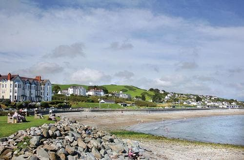 Last Minute Cottages - Stunning Criccieth Lodge S107516
