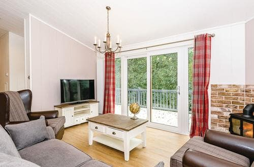 Last Minute Cottages - Uvedale Select