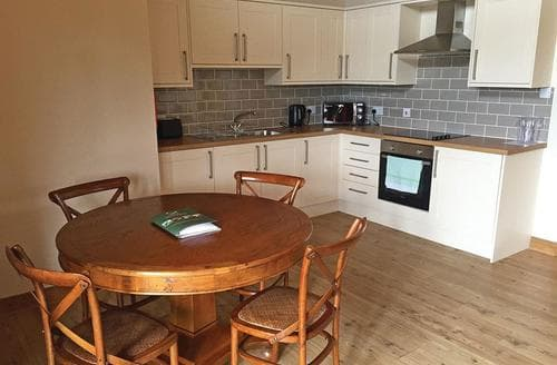 Last Minute Cottages - Wonderful Ramsey Lodge S107674