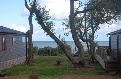 Big Cottages - Stunning Corton Lodge S107678
