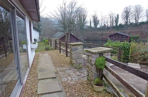 Last Minute Cottages - Captivating Caerwys Lodge S107751