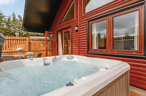 Last Minute Cottages - Luxury Fowlis Lodge S107775