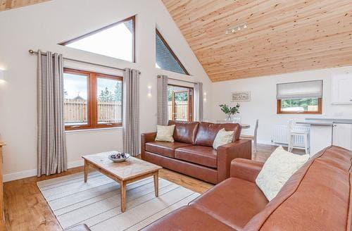Last Minute Cottages - Captivating Fowlis Lodge S107778
