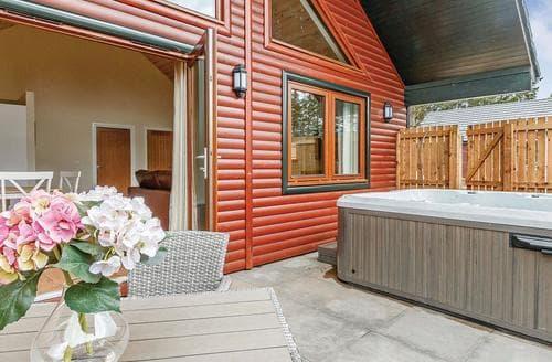 Last Minute Cottages - Splendid Fowlis Lodge S107780