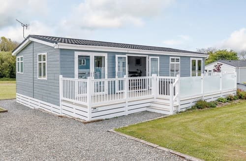 Last Minute Cottages - Charming St Florence Lodge S107785