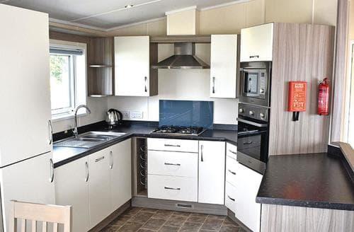 Last Minute Cottages - Superb New Milton Lodge S107829