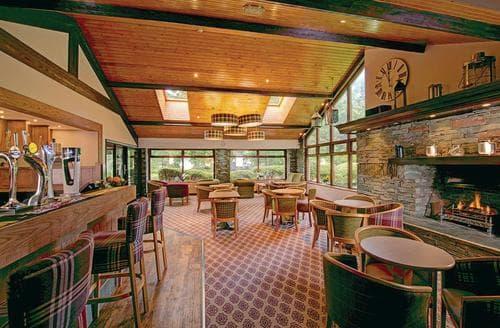 Last Minute Cottages - Tasteful Lake Windermere Lodge S107836