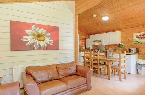 Last Minute Cottages - Lovely Sherwood Forest Lodge S107934