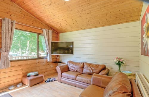 Last Minute Cottages - Excellent Sherwood Forest Lodge S107933