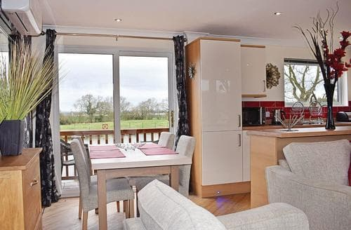 Last Minute Cottages - Cosy Caistor Lodge S107953