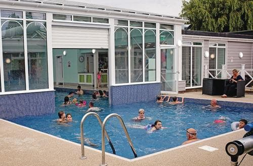Last Minute Cottages - Tasteful Hunstanton Lodge S108044