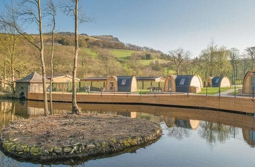 Last Minute Cottages - Quaint Greenfield Lodge S108063