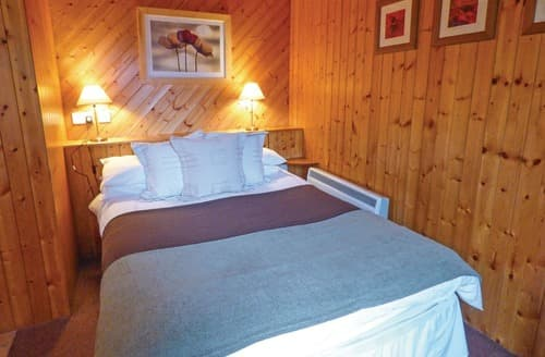 Last Minute Cottages - Charming Brecon Beacons National Park Lodge S108092