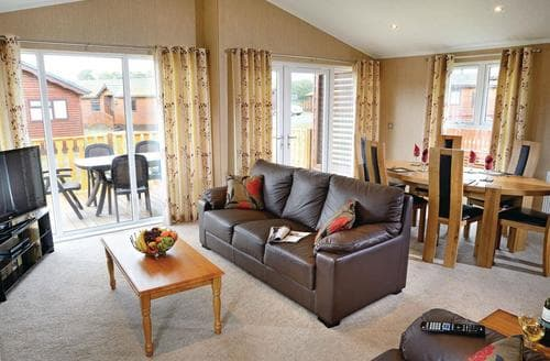 Last Minute Cottages - Wonderful Carnforth Lodge S108134