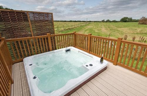 Last Minute Cottages - Excellent Raywell Lodge S108159