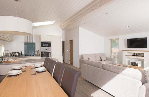 Last Minute Cottages - Adorable Bowness On Windermere Lodge S108177