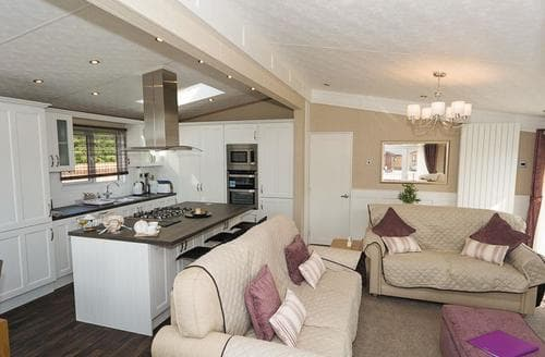 Last Minute Cottages - Cosy Lochmanor Lodge S108212
