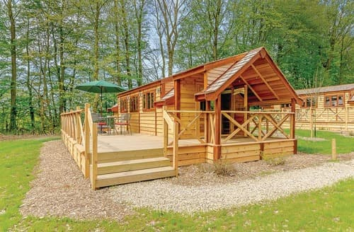 Last Minute Cottages - Luxury Kirkby Mallory Lodge S108222