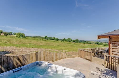 Last Minute Cottages - Wonderful Ashover Lodge S108256