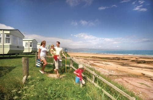Last Minute Cottages - Inviting Embo Lodge S108276