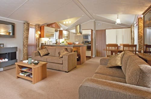 Last Minute Cottages - Captivating Whitley Bay Lodge S108398
