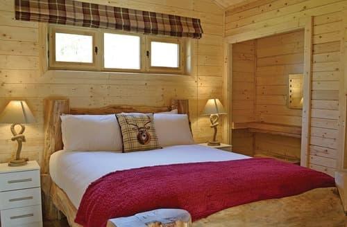 Last Minute Cottages - Cosy Ellesmere Lodge S108410