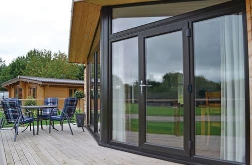 Last Minute Cottages - Tasteful Ellesmere Lodge S108411