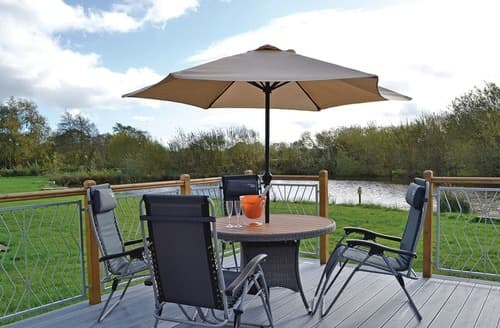 Last Minute Cottages - Splendid Ellesmere Lodge S108412