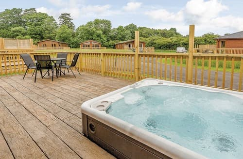Last Minute Cottages - Luxury Westbury Lodge S108450