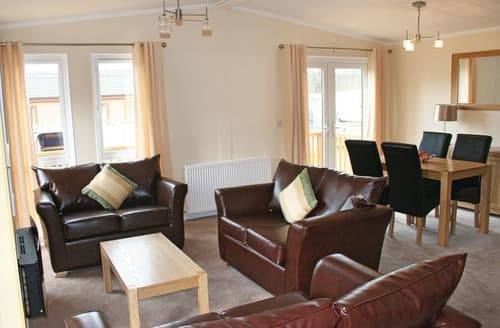 Last Minute Cottages - Stunning Llanrhystud Lodge S108464
