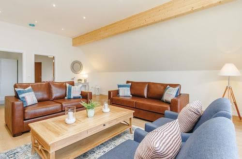 Big Cottages - Tasteful Fowlis Lodge S108485
