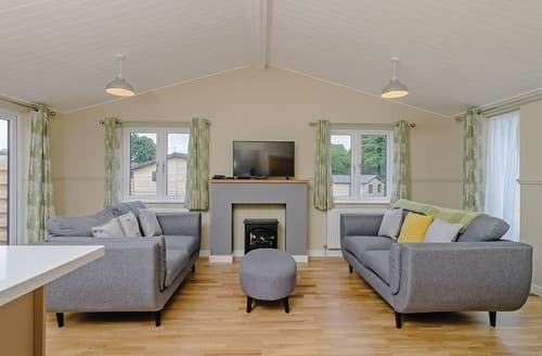 Last Minute Cottages - Tasteful Hailsham Lodge S108493