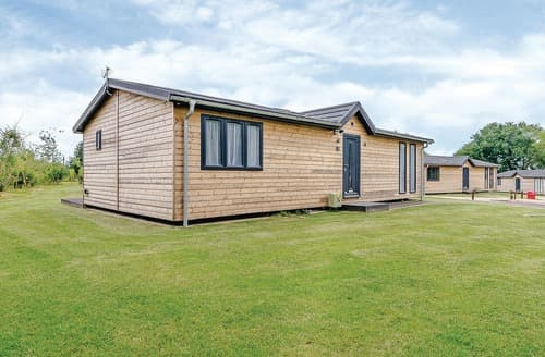 Last Minute Cottages - Attractive Hailsham Lodge S108494