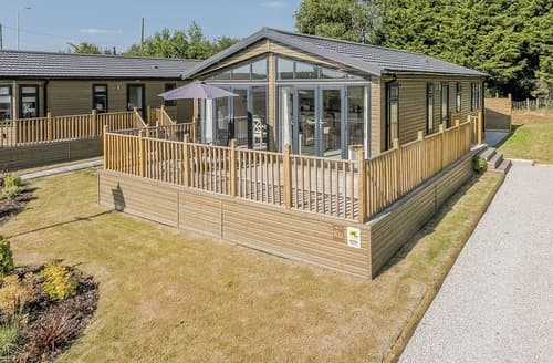 Big Cottages - Superb Overseal Lodge S108522