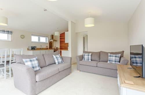 Last Minute Cottages - Luxury Great Ayton Lodge S108556