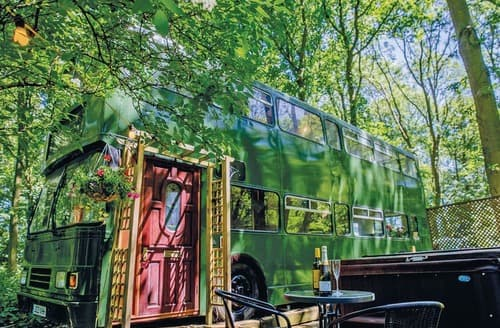 Last Minute Cottages - Glamping Bus