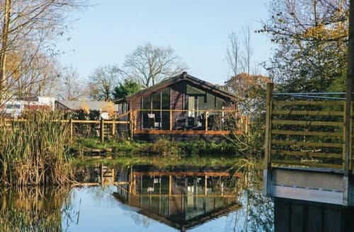 Last Minute Cottages - Inviting Dilton Marsh Lodge S108609