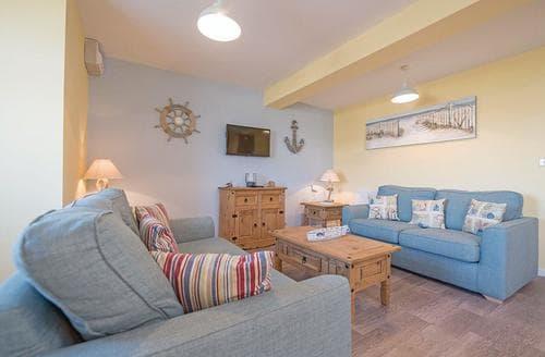 Last Minute Cottages - Gorgeous Mundesley Lodge S108660
