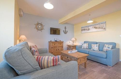 Last Minute Cottages - Lovely Mundesley Lodge S108671