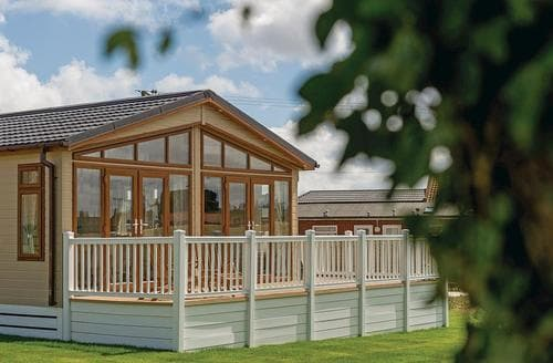 Last Minute Cottages - Luxury Mundesley Lodge S108684