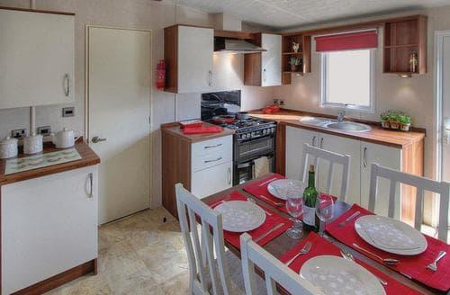 Last Minute Cottages - Gorgeous Invermoriston Lodge S108727