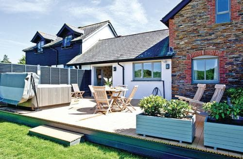 Last Minute Cottages - Wonderful Stratton Lodge S108767