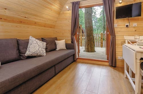 Last Minute Cottages - Luxury Woodland Pod VIP