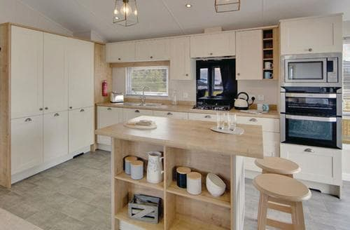 Last Minute Cottages - Wonderful Camelford Lodge S108866
