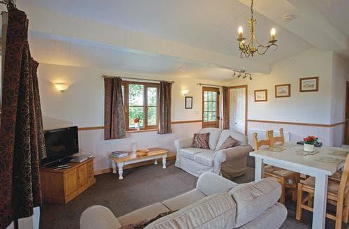 Last Minute Cottages - Quaint Darsham Lodge S108887